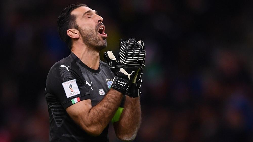 Thủ môn huyền thoại Buffon đã quyết định giã từ màu áo Tuyển Ý sau khi không thể giành vé dự World Cup 2018.