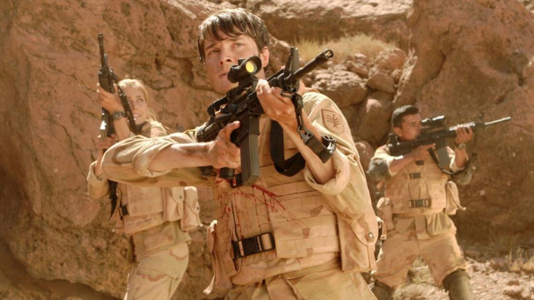 Một tiểu đội lính Mỹ trong lần đi tuần tra đã tình cờ phát hiện ra vùng hoang mạc vắng vẻ và là nơi gia đình Carter bỏ mạng.