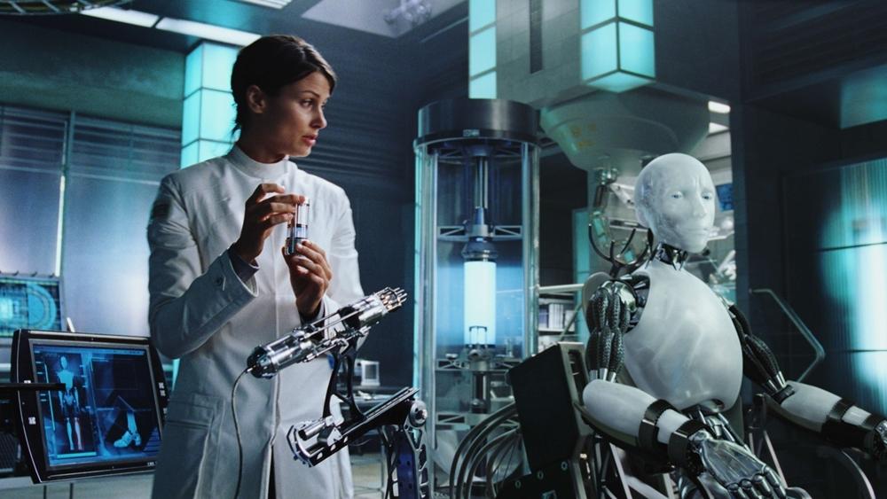 Với sự giúp đỡ của tiến sĩ Susan Calvin- chuyên gia tâm lý robot, Spooner điều tra và hướng mọi nghi ngờ vào con robot thế hệ mới tên Sonny.