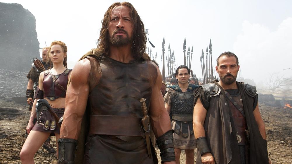 Hercules giờ đây là ''lính đánh thuê'', anh đi khắp Hy Lạp, bán sức mạnh để đổi lấy vàng và dùng danh tiếng lẫy lừng khiến kẻ thù khiếp sợ.