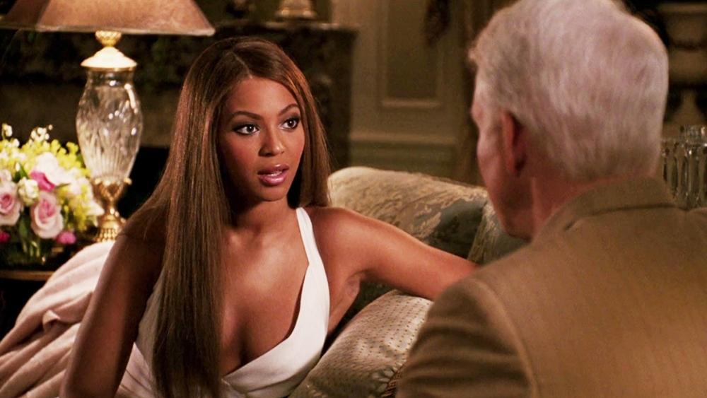 Một phân cảnh khác trong phim ''The Pink Panther'' với sự góp mặt của ca sĩ Beyoncé.