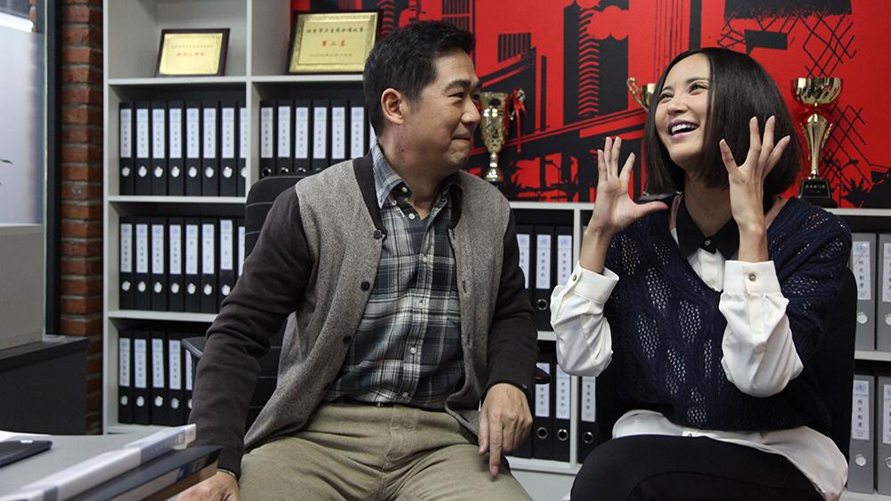 Anh tìm thấy niềm vui khi gặp được nữ y tá trẻ Mạc Tiểu Lợi