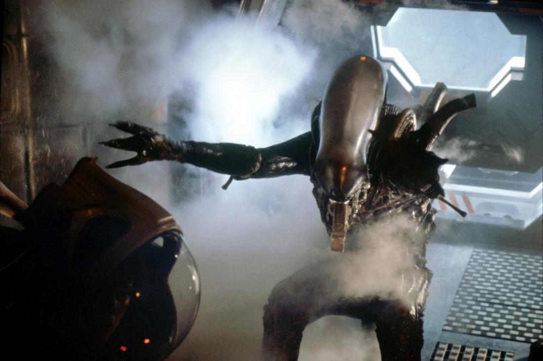 Hình ảnh quái vật không gian khát máu trong loạt phim ''Alien''.