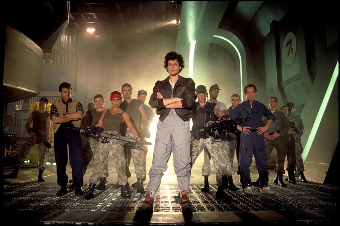 Do James Cameron làm đạo diễn, ''Aliens'' nhận tới 7 đề cử Oscar và giành hai tượng vàng hạng mục kỹ thuật.