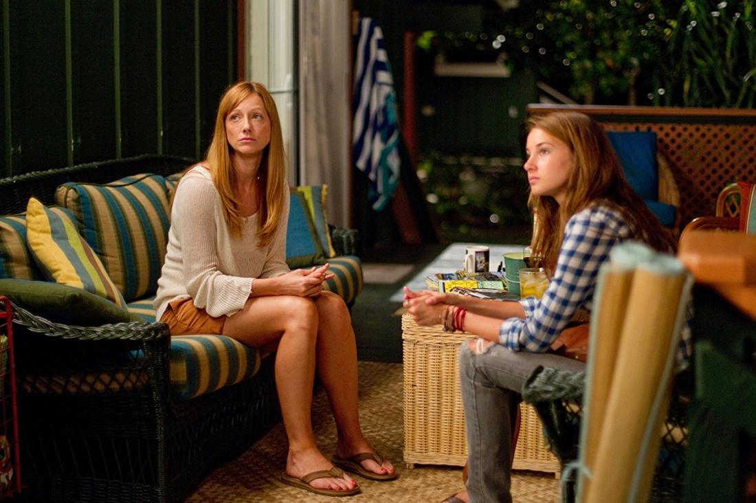 Hai nhân vật Julie Speer và Alexandra King trong phim ''The Descendants''.
