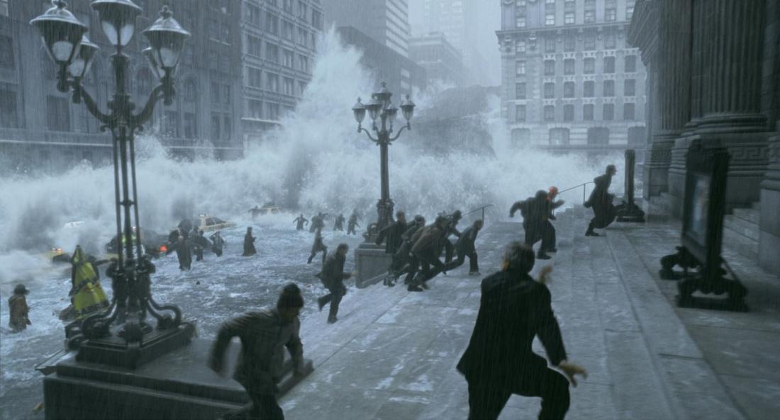 """Loài người chạy thoát thân khi đại hồng thuỷ ập đến trong """"The Day After Tomorrow""""."""