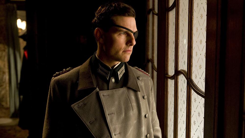 Đại tá Stauffenberg là một người yêu nước nhưng phải cam tâm đứng nhìn ách thống trị tàn bạo