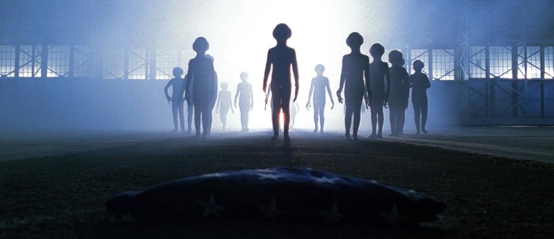 Phần lớn những vụ án mà họ điều tra đều có liên quan tới người ngoài hành tinh.