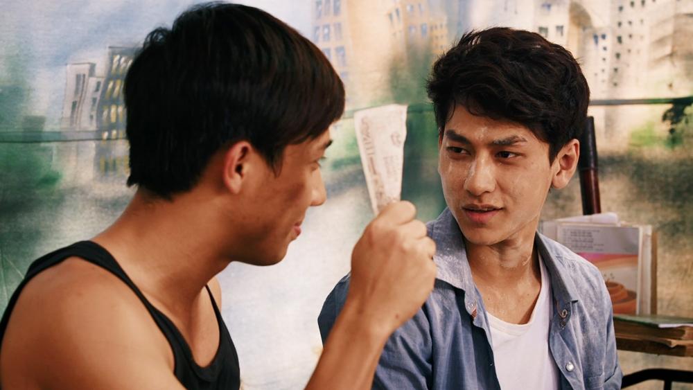 Hai chàng sinh viên nghèo Trí và Minh lên Sài Gòn thuê trọ