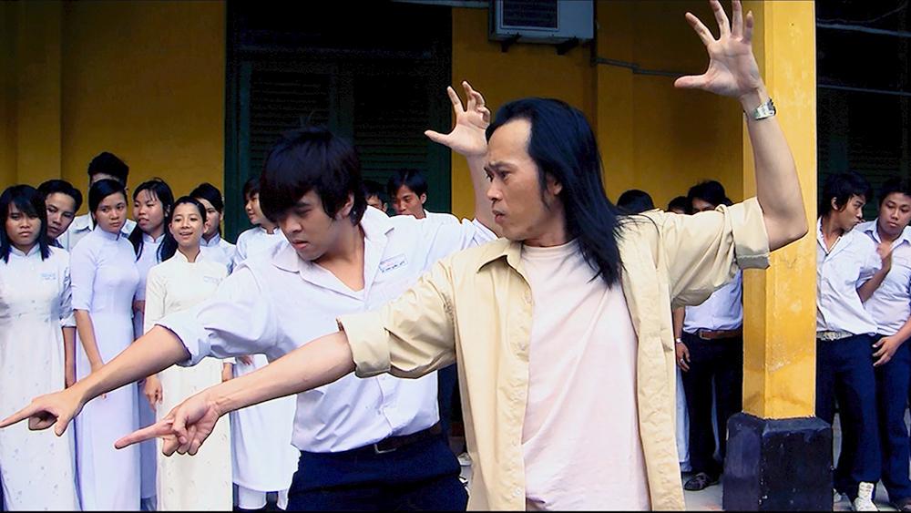 Khi đã là ma, Nam Linh đã chứng kiến được mặt tối của thế giới tuổi teen