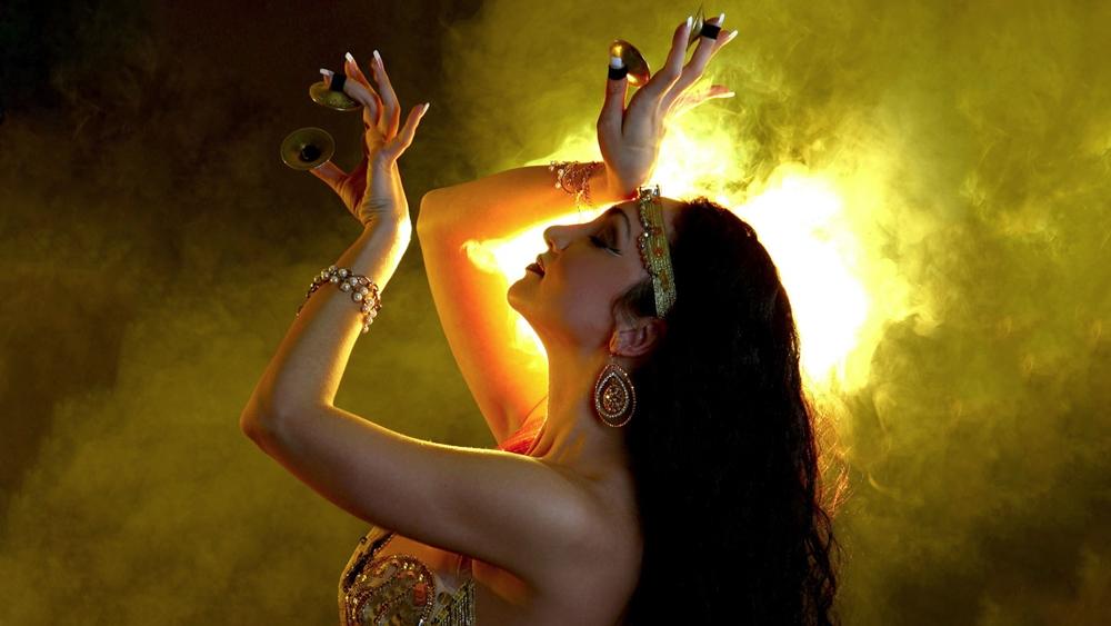 Múa bụng không đơn thuần là một môn khiêu vũ giải trí mà còn là bộ môn thể dục có rất nhiều tác dụng tốt cho sức khỏe.