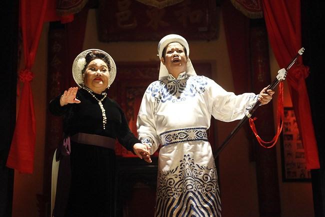 Hai nghệ sĩ Ngọc Giàu và Thanh Nam đem lại nhiều cảm xúc cho ''Sài Gòn, Anh Yêu Em''.
