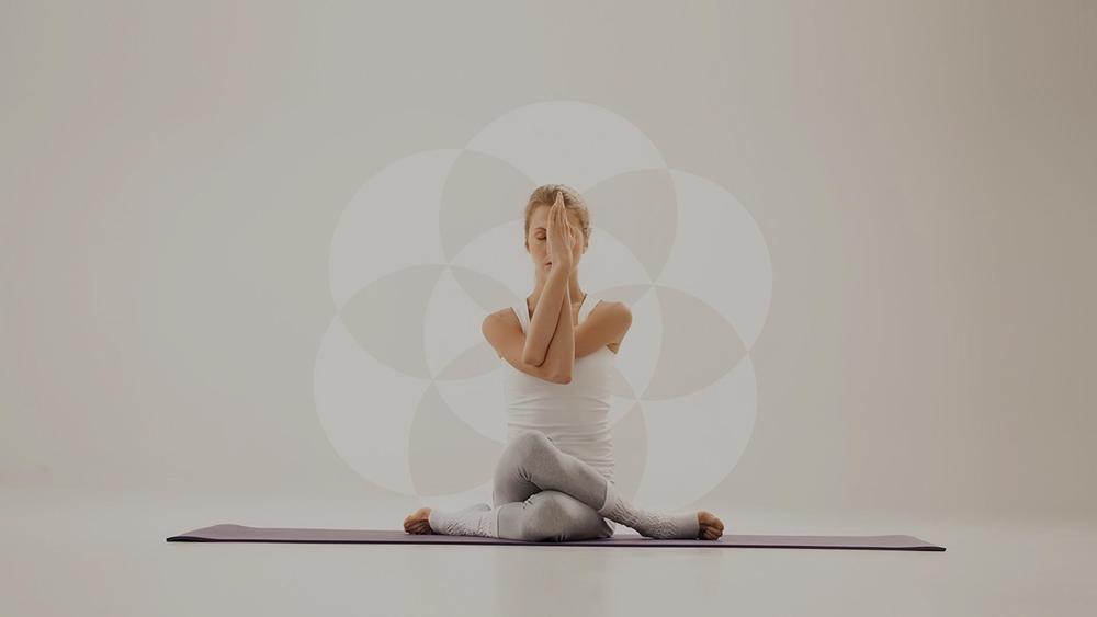 Yoga hiệu quả tương đương với các chế độ ăn kiêng nghiêm ngặt.