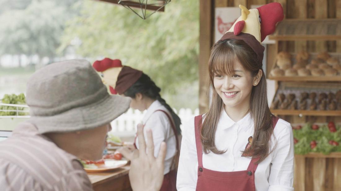 Phim là câu chuyện của Ly ''cún'' - cô gái trẻ xinh đẹp, tốt tính đang làm việc ở một tiệm gà rán.