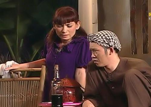 Cảnh diễn của Phi Nhung và Hoài Linh