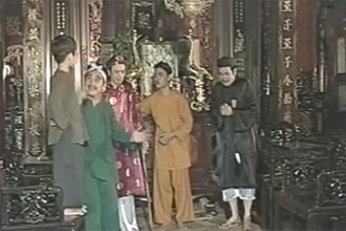 Hoài Linh vào vai quan huyện trong tiểu phẩm hài 'Giải Oan Thị Mầu'
