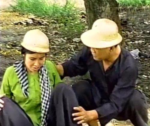 Cố nghệ sĩ Lê Vũ Cầu vào vai anh chồng trong tiểu phẩm hài 'Đường Đậu Đen'