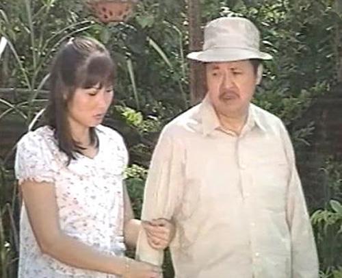 Hồng Vân vào vai con gái của Bảo Quốc trong tiểu phẩm hài 'Đổi Đời'