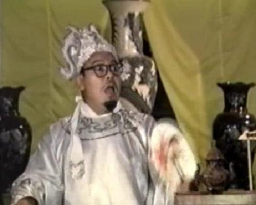 NSƯT Giang Châu vào vai huyện quan trong tiểu phẩm hài 'Huyện Quan Xử Bợm Bảy'