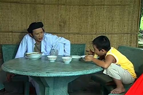 Hoài Linh và cậu con trai nuôi Ben cũng góp mặt trong phim