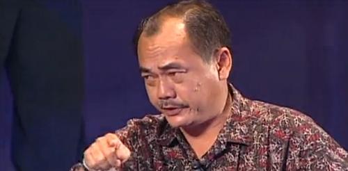 Nghệ sĩ Việt Anh trong một cảnh của vở kịch