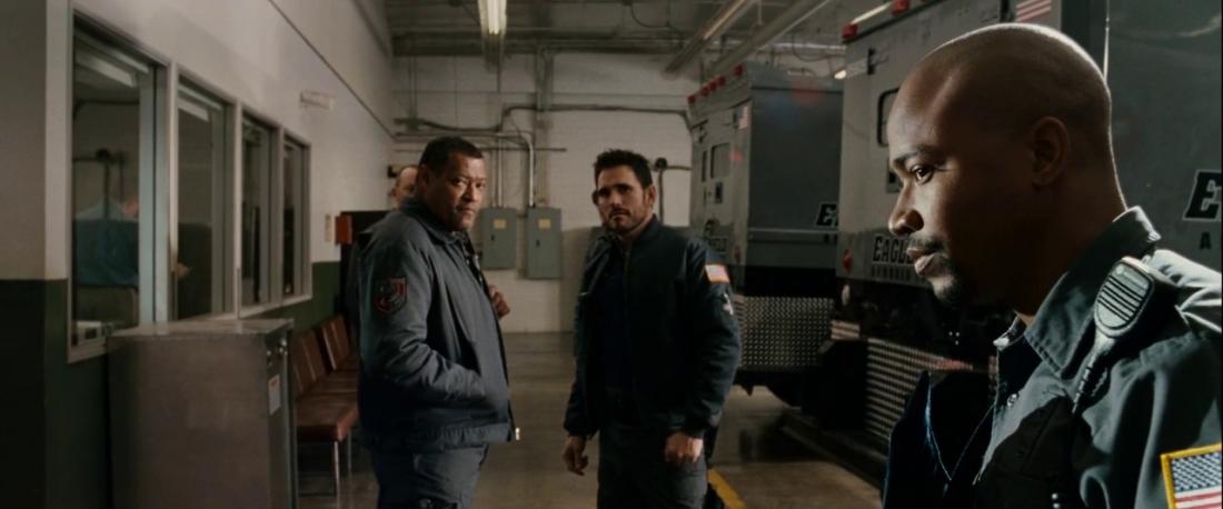 Mike cùng đồng bọn định lên kế hoạch biển thủ số tiền 42 triệu đô-la do họ bảo vệ và quyết tâm lôi kéo Ty vào cuộc.
