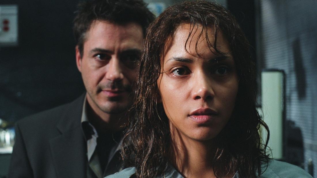 Miranda Grey là nữ bác sĩ tâm thần làm việc cùng bác sĩ Pete Graham trong một trại giam.