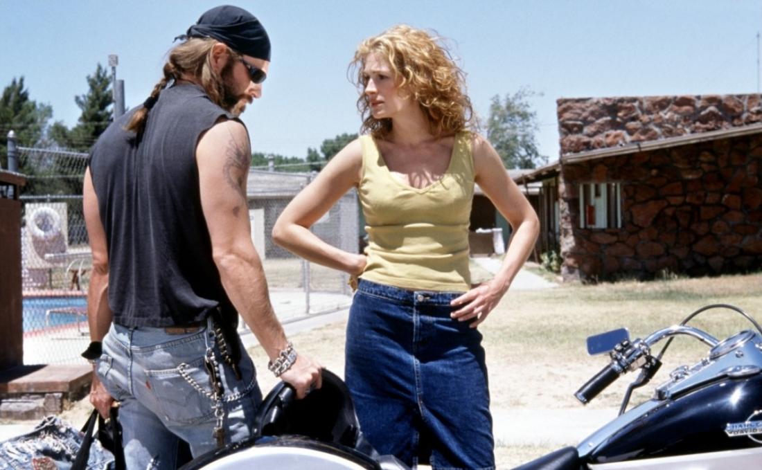Hai nhân vật George và Erin trong phim ''Erin Brockovich''.