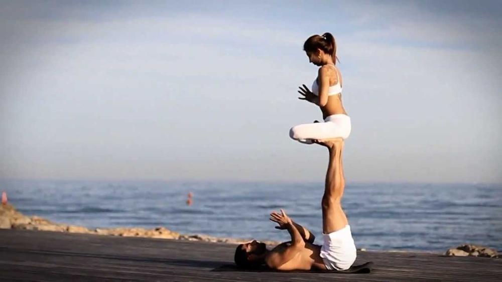 Yoga nâng cao không chỉ là các động tác, tư thế khó, phức tạp, khó tập luyện mà còn là một trải nghiệm thú vị đối với người tập.