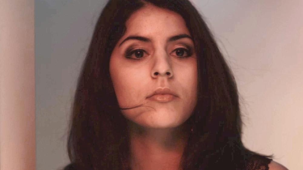 Claudia 22 tuổi, là một người nhập cư bất hợp pháp, sống với giấc mơ trở thành công dân chính thức của Mỹ.
