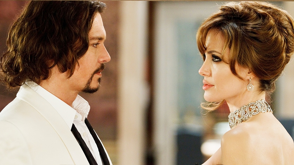 Trong chuyến du lịch Venice, nhà khoa học Frank đã gặp cô gái xinh đẹp nhưng có tung tích bí ẩn Elise