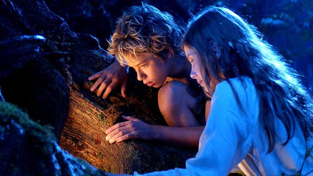 Một ngày nọ, cậu làm quen với Windy và thuyết phục cô bé tới Neverland sống chung với cậu