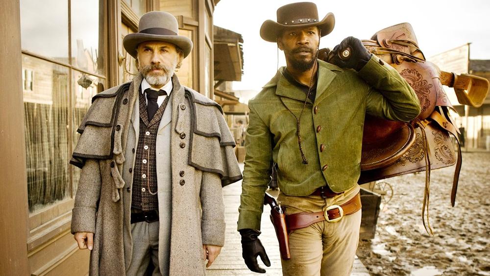 Sau khi được Schultz giải thoát, Django đồng ý theo hắn ''học nghề'' để kiếm cơ hội giải cứu người vợ tên Broomhilda