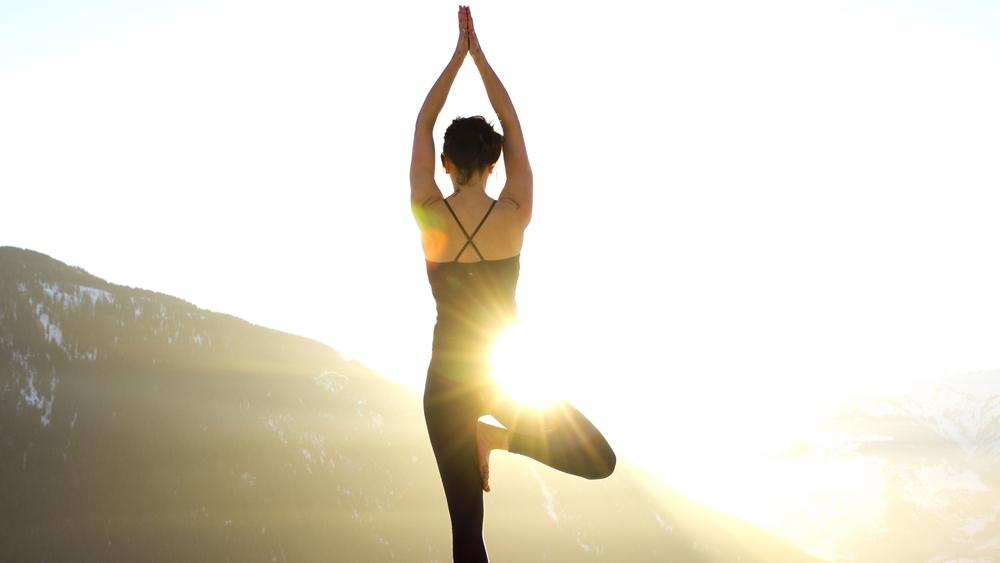 Luyện tập yoga đem lại lợi ích rất lớn đối với sức khỏe và vẻ đẹp của mỗi người.