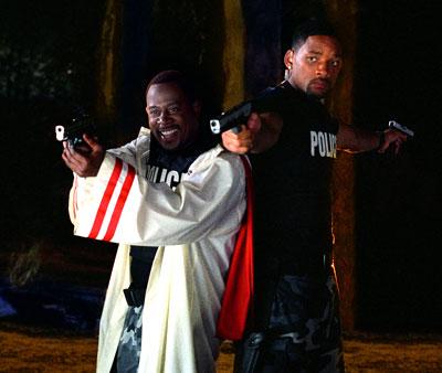 Mike và Marcus được giao điều tra một đường dây cung cấp ma túy tổng hợp vào Miami.