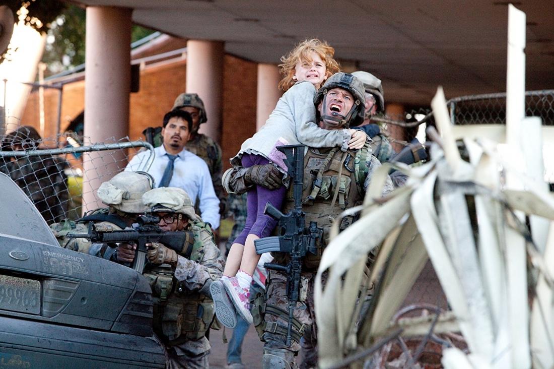 Nhân vật người lính dũng cảm Michael Nantz trong ''Battle Los Angeles''.