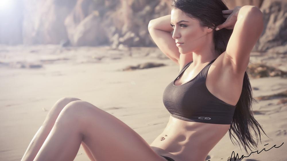 Bụng là vùng khó giảm mỡ nhất trên cơ thể, chưa nói đến việc lên cơ, múi. Nhưng không phải là việc không thể làm.