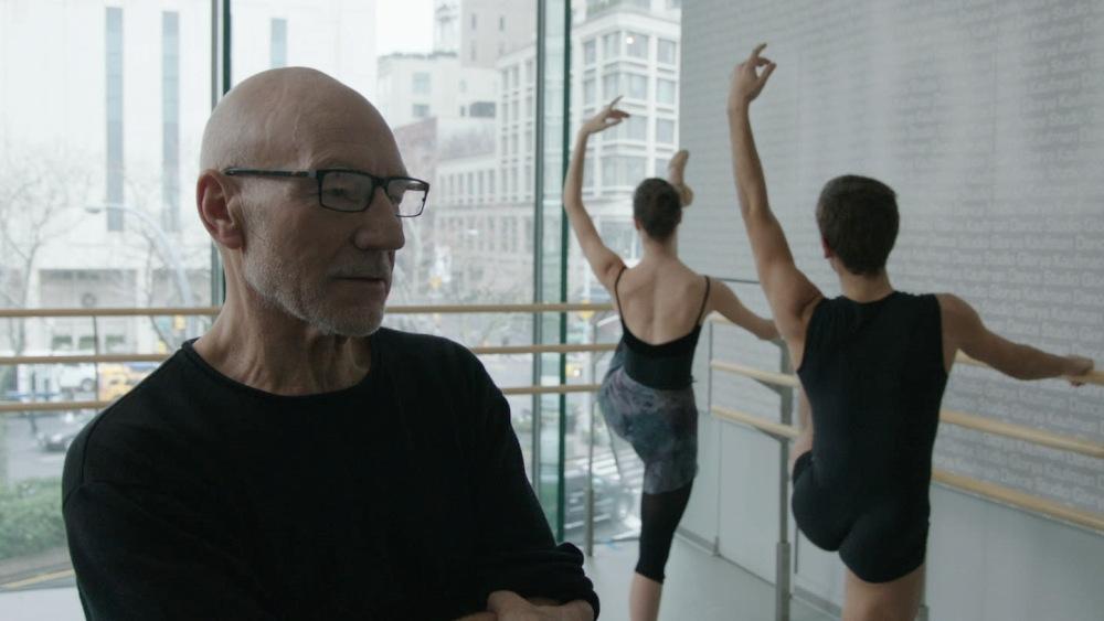 Chuyện phim xoay quanh Tobi Powell - một vũ công đã về già