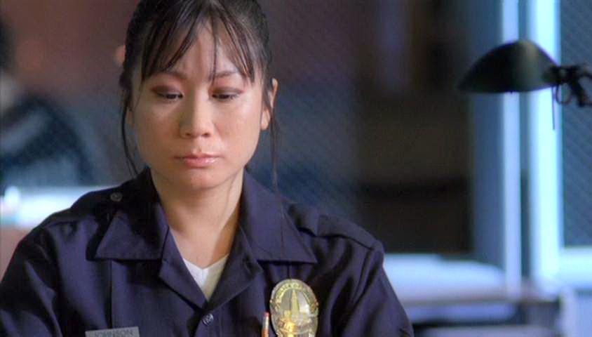Nữ diễn viên Linda Wang trong vai cảnh sát LAPD.