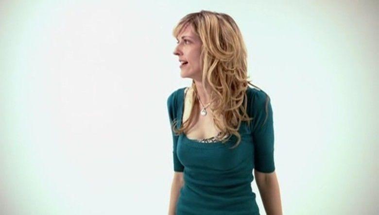 Nữ diễn viên Kathryn Fiore vào vai Deborah - nữ phóng viên đang mang thai nhưng vẫn quyết đi điều tra những thí nghiệm gã Tiến sĩ bí ẩn kia.