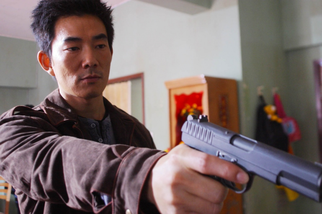 Nhậm Hiền Tề trong vai tên tội phạm Trần Nhất Nguyên.