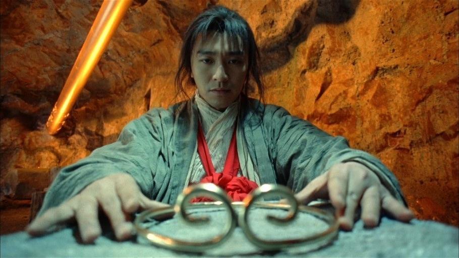 Việc quyết định có đeo chiếc vòng kim cô hay không quả là một quyết định khó khăn với Chí Tôn Bảo.