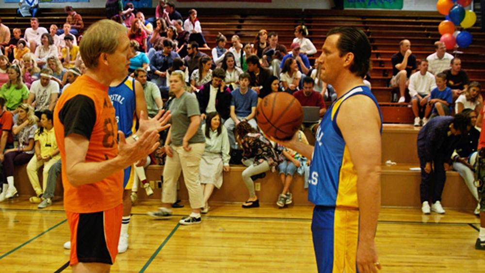 Phim kể về quá trình được nhận vào làm huấn luyện viên đội tuyển bóng rổ của nhà thờ