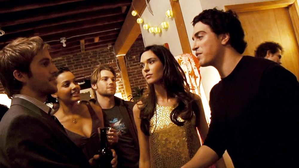 Một nhóm bạn ở New York đã tổ chức một bữa tiệc chia tay cho Rob trước khi anh bay qua Nhật Bản