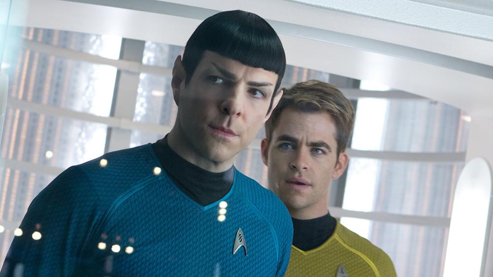 Thuyền trưởng Kirk dẫn một đoàn người đến vùng chiến để tìm kiếm một thứ vũ khí hủy diệt