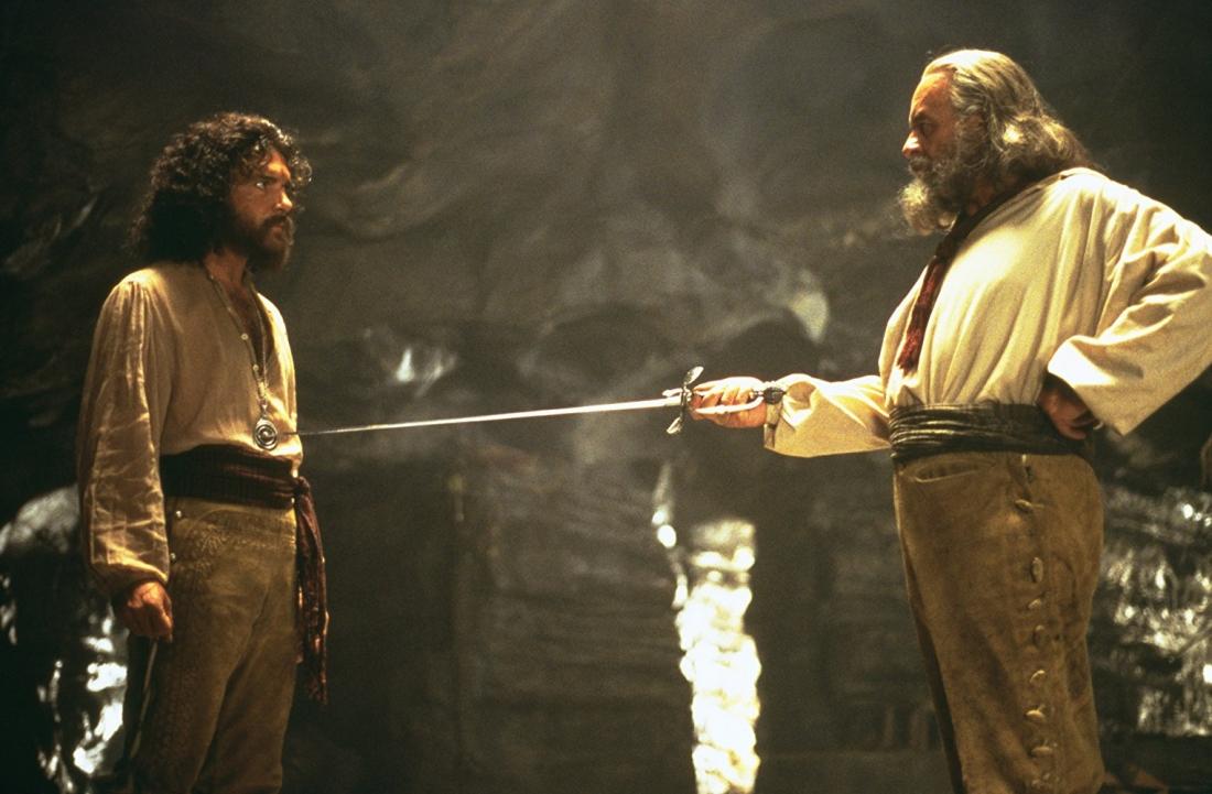 Việc đầu tiên mà Don Diego làm sau khi ra tù là tìm một môn đồ, người sẽ tiếp bước ông để trở thành Zorro.
