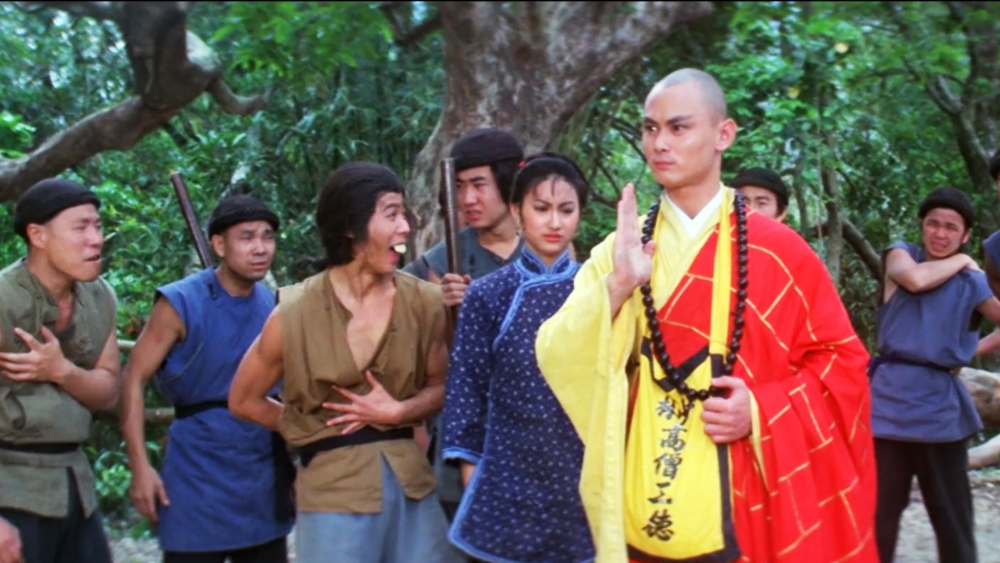 Để đòi tiền lương, người lao động thuê một diễn viên giả mạo nhà tu giỏi kung-fu từ ngôi chùa Thiếu Lâm
