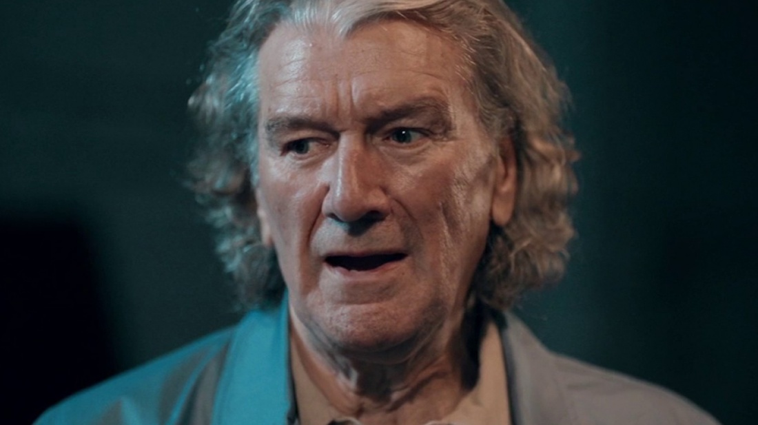 Clive Russell trong vai Kenny Collins.
