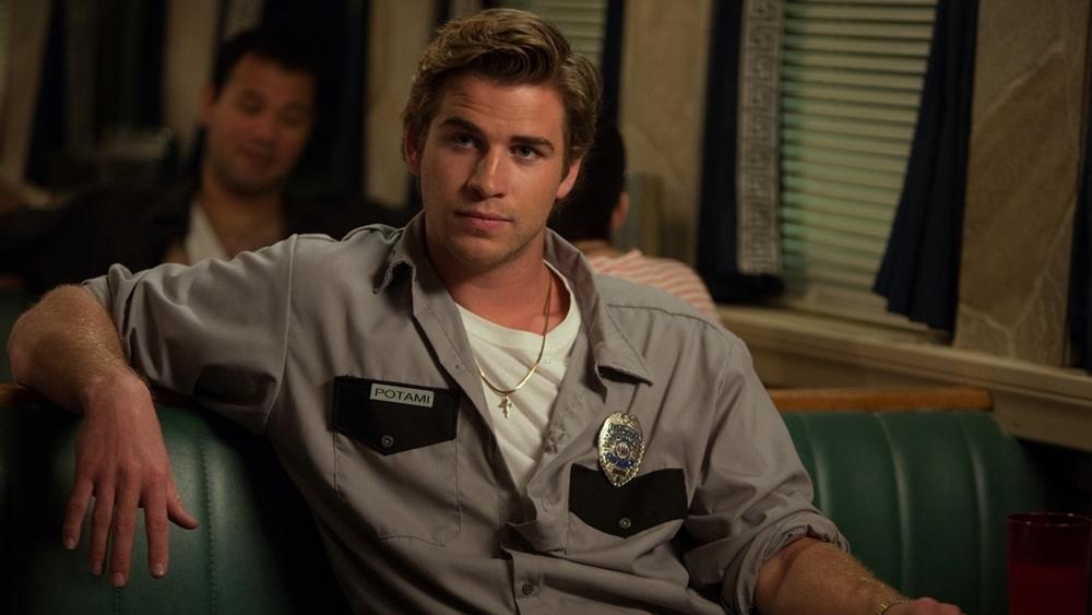 Christo Potamitis là công dân trẻ muốn trở thành cảnh sát nhưng bị Sở cảnh sát New York từ chối.