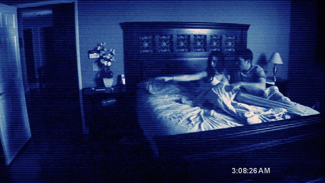 Micah và Kat đã nghi ngờ căn nhà của mình bị ma ám